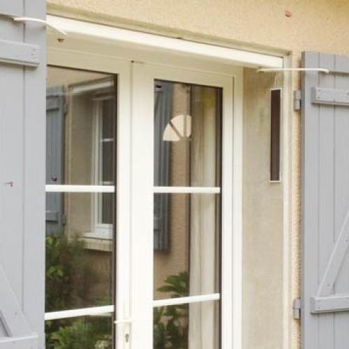 moteurs solaires pour volets pratic volet. Black Bedroom Furniture Sets. Home Design Ideas